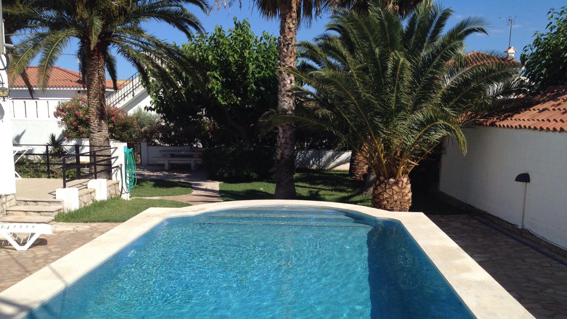 Villa -                                       Alcanar -                                       3 dormitorios -                                       6 ocupantes