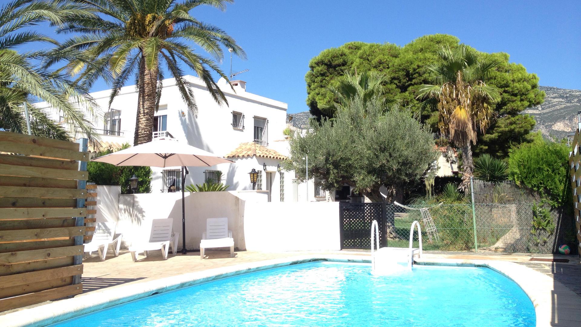 Villa -                                       Alcanar -                                       4 dormitorios -                                       8 ocupantes